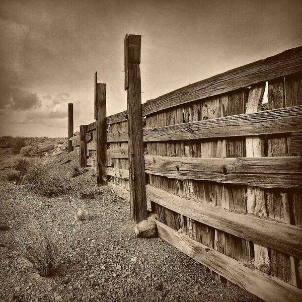 Head to the horizon Promised Land Southwestern Travel Photography Nevada, USA Nevada Desert Architecture Oldwest Traveling The World Travel Destinations Decorative Art Wood Art Old Western Oldtime Tranquility Nostalgic  Illuminated Nevada President Trump Ghosttowns Nostalgic Photo Old West  Old Wood Crossroad Fence Post Hiking Trails