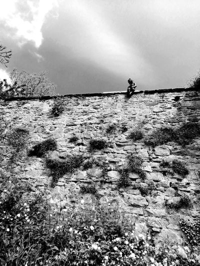 Blackandwhite Black & White Unforgettable ♥ Unforgettable Moment Ruine Ruins Architecture Statue Wall Wall - Building Feature Mauer Sky Cloud - Sky