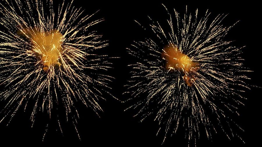 fuochi d'artificio Umbria Spettacolo Pirotecnico Italy🇮🇹 Umbria, Italy Castiglione Del Lago Fireball Motion Arts Culture And Entertainment Firework Firework Display Firework - Man Made Object Sparkler Entertainment Explosive This Is Strength EyeEmNewHere