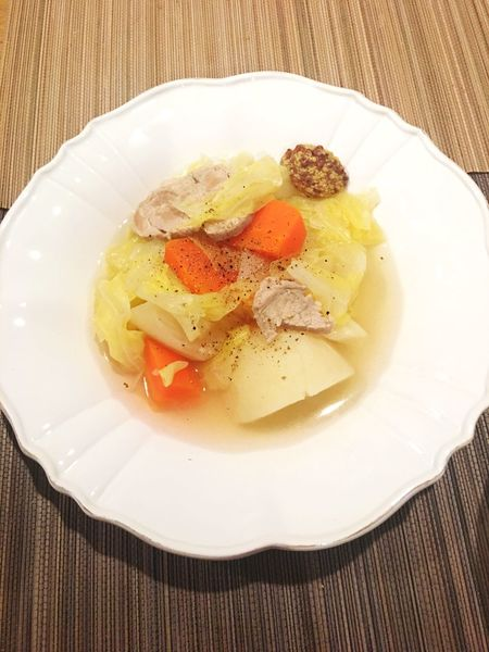 塩豚のポトフが日が経つにつれて味が浸みて美味しすぎる〜〜!塩豚でポトフ作るとこんなにうましとは❤️また作ろう😋 塩豚のポトフ Pot-au-feu Saltedpork Today's Dinner