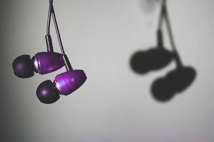 Creative Light And Shadow Headphones Sitram Photo's Taking Photos MusicIsLife Purple Hello World Check This Out Shadow Learn & Shoot: Single Light Source EyeEmPaid