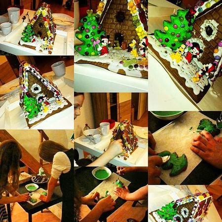 Lebkuchenhaus bauen mit meinen Töchtern. Lebkuchenhaus Gingerbreadhouse Mickymouse Minimouse Christmas Knusperhäuschen Knusperhaus