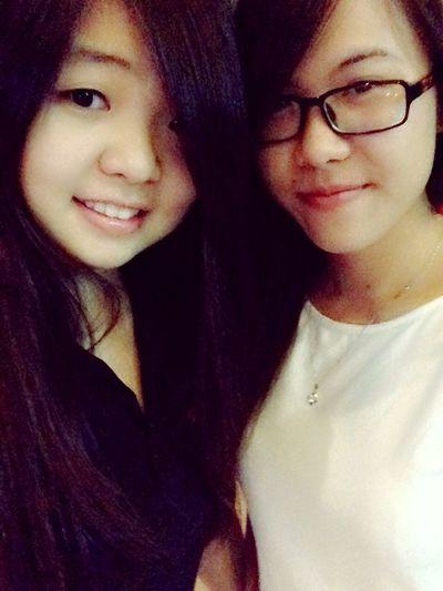 Me&Sis Taking Photos Asian Girl Cheese!
