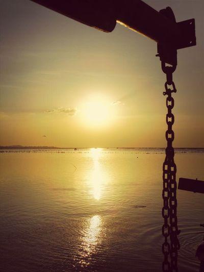 ..ลาทีปีเก่า..ความทุกข์เก่าๆ ก็ จงผ่านตามไปด้วย.. Nature Enjoying The Sun Thailand Sun_collection Thailand_allshots Sunset
