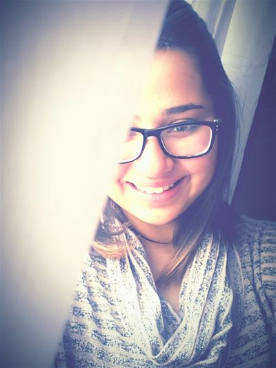 Ben dünyada bu kadar güzel gülen ,güldüğü zaman bu kadar güzel olan insan görmedim.