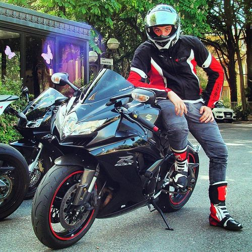 Good day of Riding and Motorcycleworld enjoying. SBK2015 @ Imola Superbike GSXR750 Suzuki Throttlesociety Shift_life Bikers_around_the_globe Motorcycle_mafia Superbikeitalia InstaMotorcycle Dainese