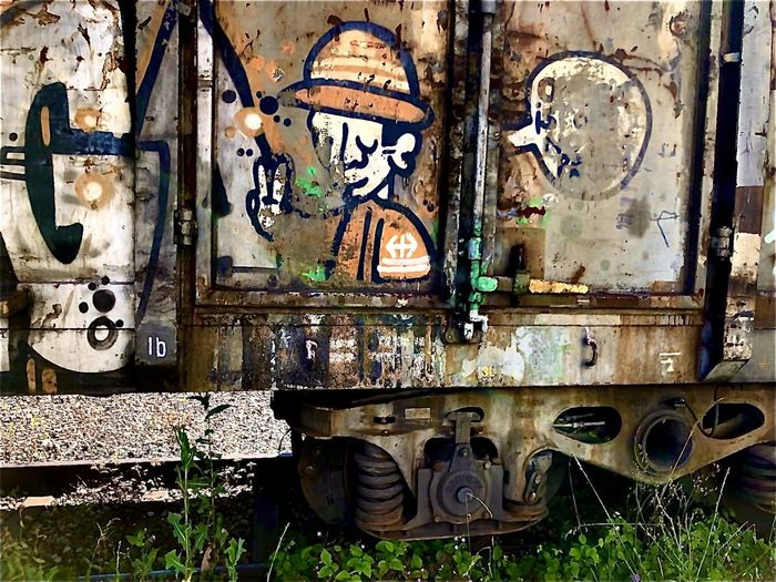 Graffiti on old abandoned building