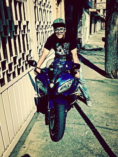 Motoras subanse Moto Life Raperos Live Music Yamaha