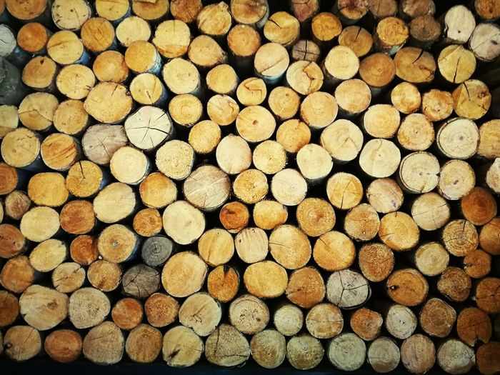 arrange wood