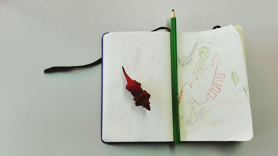 No People Draw Drawings Drawing Time Kids Kids Drawing Kids Having Fun Dinossaurs Pencil Green Children Drawing