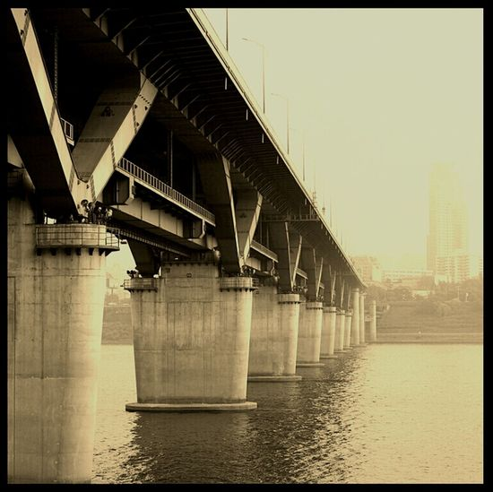 Bridge Still Afternoon Han River Sephia @korea seoul jayang-dong chungdam subway bridge @Canon eos 100d / 40mm f2.8