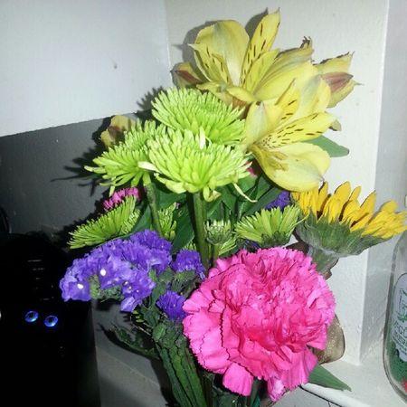 Surprised with flowers last night! @danwbilliot Luckylady Flowers