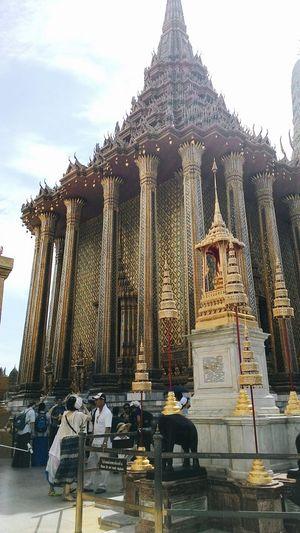 Bangkok Palace Temple