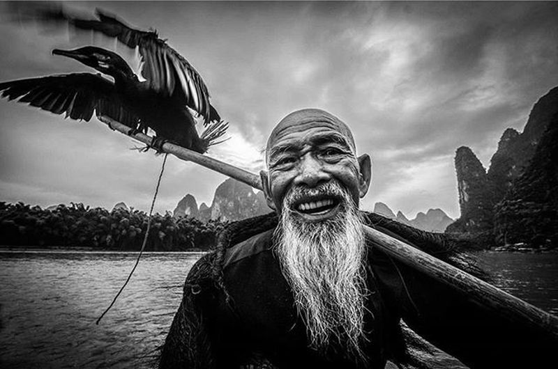Salam Aidiladha dari saya Pok Cik Guilin 😊. Traveler Fotorewang Photographysouls Photo Rarecation Guilin Xingping LiRiver Humainterest Humatinterestphotogrpahy Oldman Wpo Hipaae China Fisherman Natgeotravel Fotorewang Photosociety Smile Relax Happiness