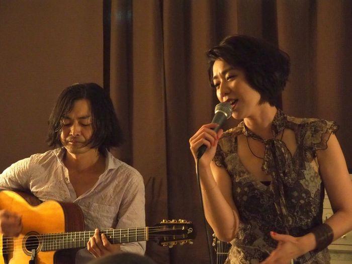 Kobe Japan ASIA Theaterjazzy Natsuki Morikawa Jazz Singer  Tomoki Inoue Guitar Music Live Indoors  Singing Performance Beautiful Woman Olympus PEN-F 神戸 元町 森川七月 井上知樹 美人 可愛い 女神 癒し