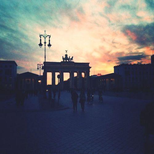 Berlin Brandenburger Tor Sun Light Hello World