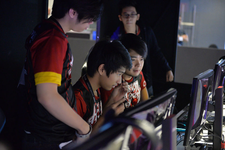 Acion Call Center Championship Championship Game Communication Connection Contact Dota Dota 2 Dota2 E-games E-sports ESGS Esports LOL Mineski Online Gamers Online Gaming Team Team Play Teamwork