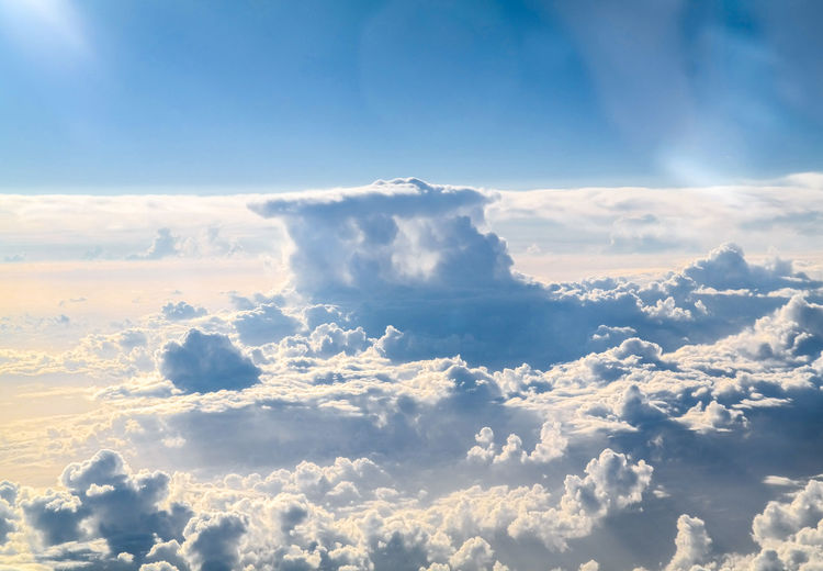 Scenic view of cloudscape on sunny day