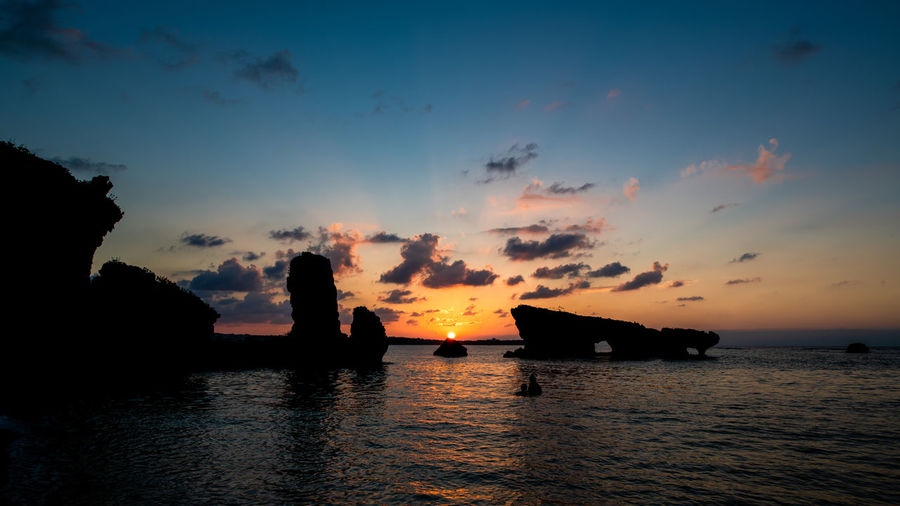 Sunset Beauty In Nature Waterfront Tranquil Scene Silhouette Nature Okinawa Japan Travel Traveling Landscape