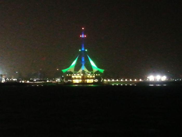 Marina Wave Kuwait Night Christmas Tree Illuminated Christmas Lights No People Christmas Sky Tree Celebration Architecture Outdoors Star - Space