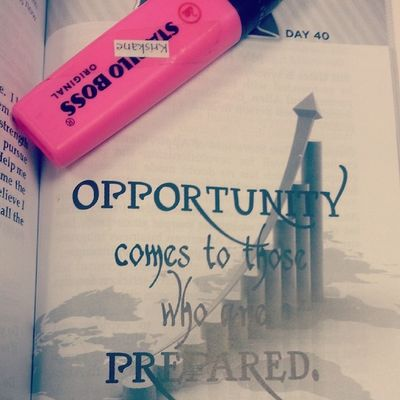 Day 40: OPPORTUNITY comes to those who are Prepared. • If Bill Gates opens a window for you at Microsoft, would you take it? Latepost 06062014 Chinkeetan Howtoinspireyourselftoinspireothers 📒📑 Proverbs 21:31 MSG You can get the horses ready for battle, but it is the L ord who gives the victory.