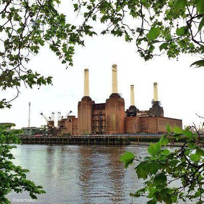 Industrial building of Battersea Power Station ???? #aauk #industrial #powerstation #alan_in_london #gf_uk #gang_family #igers_london #insta_london #london_only #thisislondon #ic_cities #ic_cities_london #ig_england #love_london #gi_uk #ig_london #londo Igers_london Ig_england Love_london Ic_cities_london Industrial Ig_london Aauk Gang_family Powerstation Londonpop London_only Ic_cities Gf_uk Alan_in_london Insta_london Thisislondon Gi_uk