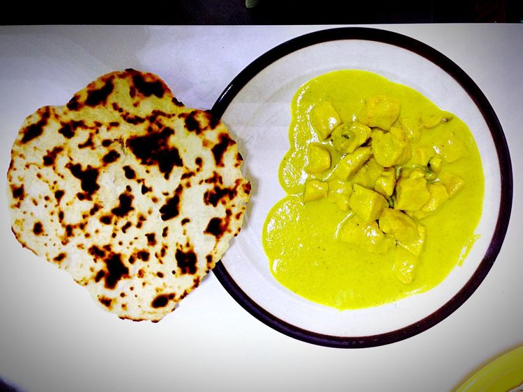 Chicken Curry Naanbread Naan Bread Indian Food Esotic Food Curry Currysauce Indian Dinner