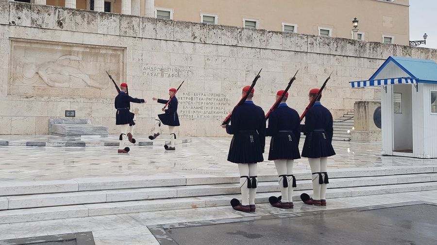 Parlament Grece City Atene Guards Change Guard Military Politics And Government City Military Parade Parade Marching Band Marching Holy Week Kilt Military Uniform Army Army Soldier Soldier Army Helmet Camouflage Clothing Armed Forces