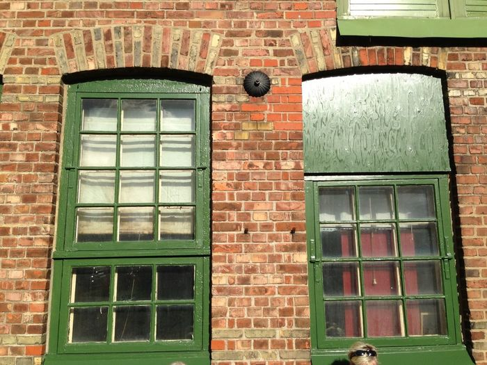 Love bricks and green. Feeling History Enjoying Life