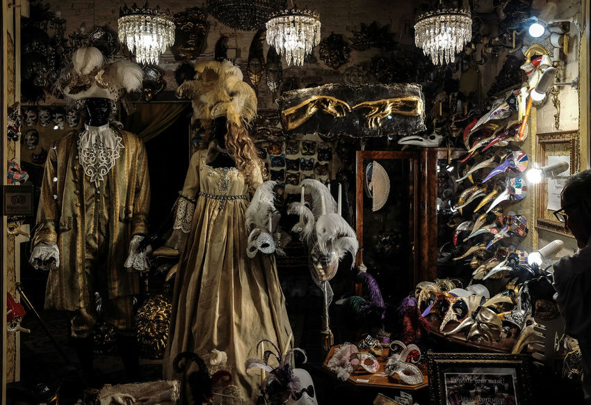 Maschere di Venezia - Built Structure Choice For Sale Indoors  Large Group Of Objects Mask Night No People Retail  Store Variation Venetian Mask