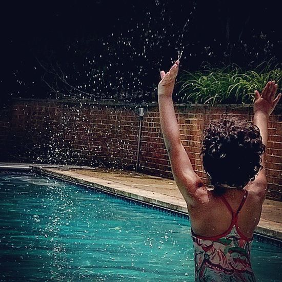 Cooling off! Splishsplash Poolside Summer Unforgettableinstagram shootyourlife GalaxyS5 clickinmoms