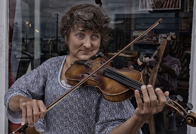 Faces Of Summer Violinist Streetphotography