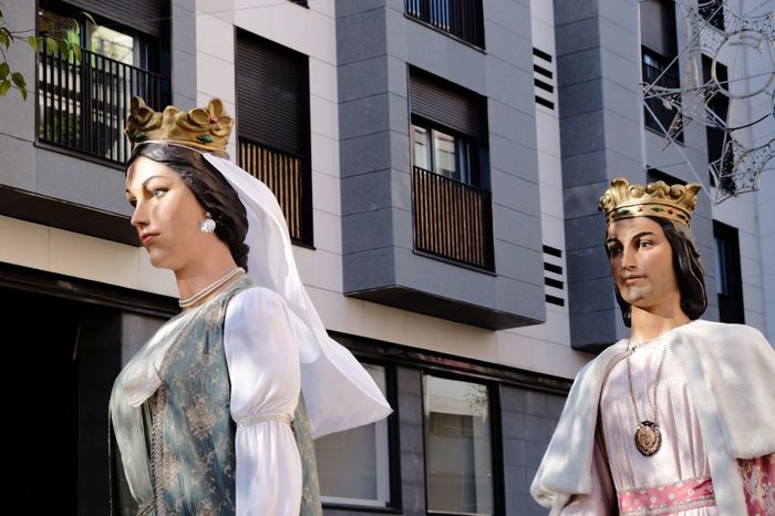 Gegants EyeEm Selects Building Exterior Window Architecture Fashion Statue Built Structure City Day Outdoors