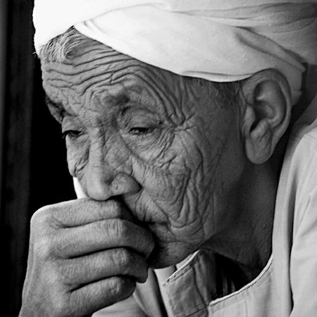 Out of order Out Of Order Thinking Toooo Much Hurts ... Photos Around You Portrait Of A Man  Black And White Black & White Alone Aswan Egypt