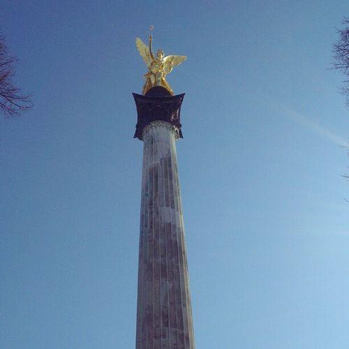 Blauer Himmel überm Friedensengel Igersmunich Instamunich Munichsky