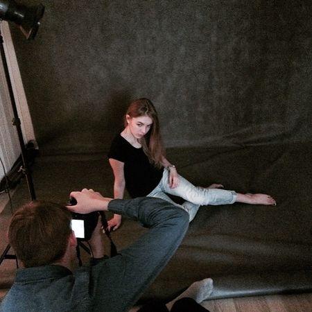 Taking Photos Photography Girl Model Studio Zatmění Studio Back Stage