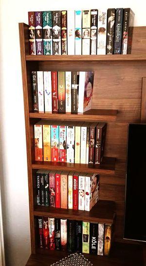 Sadece bir kaç tanesi 😊😊 Kitapkokusu Kitapsevgisi Kitaplariyikivar First Eyeem Photo Kutuphanem