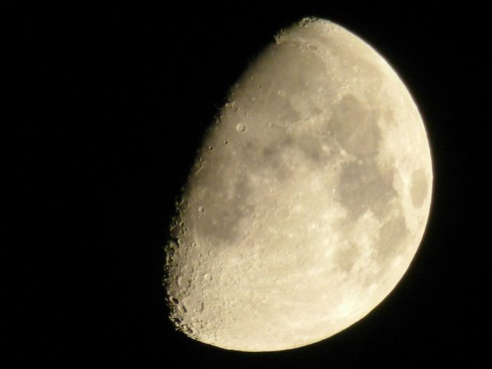Astronomy Moon Moonlight demi-lune Lune Cratere