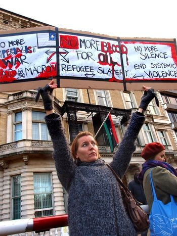 No Borders! No Slavery! Protest demanding an end to auctioning of black Africans in Libya. Following reports of people auctions in Libya. Libyan Embassy. London. UK. 26/11/2017 LONDON❤ Protest People Auctions No Borders! No Slavery! Stevesevilempire Steve Merrick Black Lives Matter Protesters Slavery Still Exists London News Photojournalism Libya Slavery London Zuiko Olympus