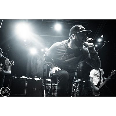 Got to shoot The Ghost Inside last night again before the year ended. Crazy set, imo better than tdwp. Perfect song to end with was White Light. Awesomeness. #tgi #theghostinside #818tour #orangecountyhardcore #ochxc #orangecounty #la #jonathan #vigil #swag #blackandwhite #blue #theobservatory