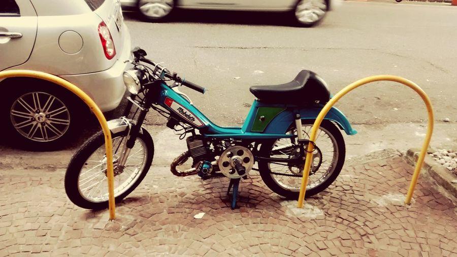 Mobylette em Sampa! Mobylette Saopaulo Brasil Brazil Sampa Moby Moped Isatamotorcycle Duasrodas