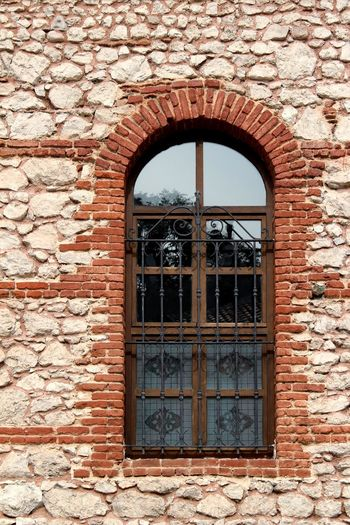 Brick Brick Wall Architecture Photography EyeEmNewHere Window Architecture Building Exterior Built Structure Close-up Arch The Architect - 2018 EyeEm Awards