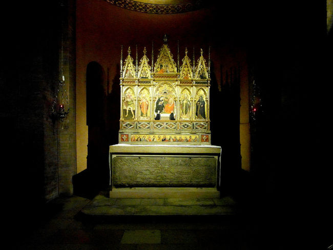 Triptych in the Modena Cathedral Altar Cathedral Church Emilia Romagna Italia Modena Triptych Architecture Art Built Structure Emiliaromagna History Illuminated Indoors  No People Ornate Painting Place Of Worship Sculpture Spirituality Statue Travel Destination Travel Destinations