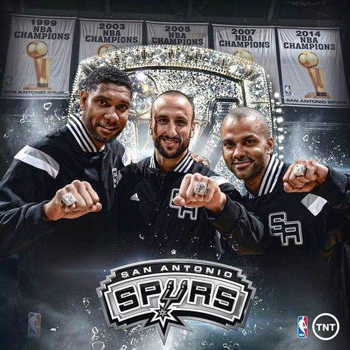 Halloffamers Duncan Ginobili Parker showing off their 2014 Championship Rings ☝🙌🏀 San Antonio Spurs NBA Best  Team Blingbling Five 🏆🏆🏆🏆🏆 going for another one this year! 😏