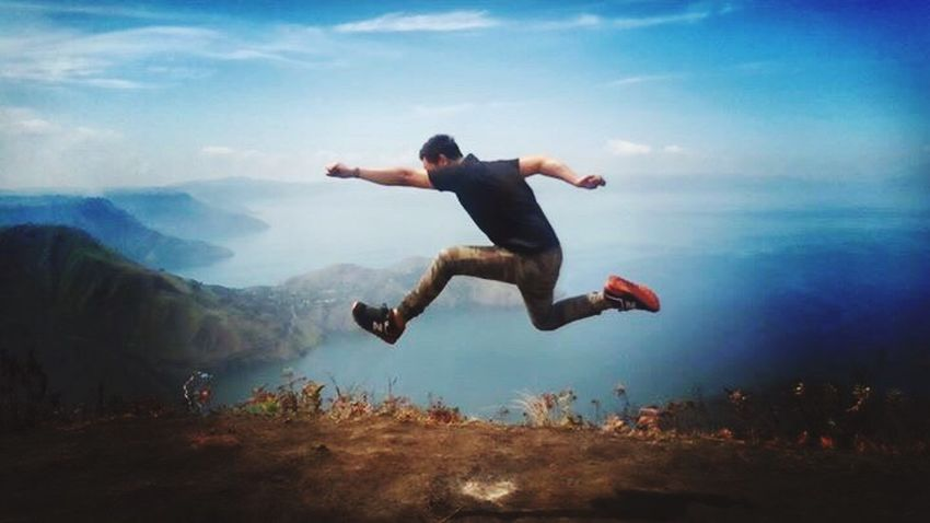 Freedom Mid-air Mountain Nature Flying IPhoneography People And Places LakeToba  Laketobaview