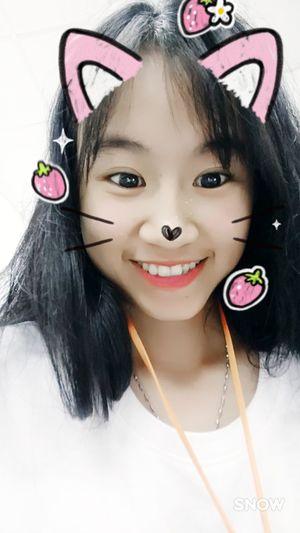 Được tấm đẹp lồng lộn 🐣🐣🐣🐣 Smiling Looking At Camera Long Hair One Person Pink Color Black Hair 很可爱 好了 Lifestyles Happiness Cute Công Cuộc Kiếm Cơm