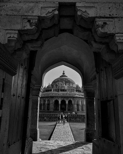 Tomb Of Isa Khan Niyazi Constructed in 1547 CE, it is the Tomb of IsaKhanNiyazi , an Afghan noble in Sher Shah Suri's court of the Suri dynasty. The octagonal tomb is positioned within an octagonal garden, which was built during his own lifetime and the reign of Islam Shah Suri, son of Sher Shah. Wanderlust Dawndotcom Kpc Instapic Architecture Indiapictures Etribune _soi Vscocam Indiaphotos Delhidiaries Reportagespotlight Storiesofindia India_gram Mypixeldiary Everydayindia Indiaclicks Iamnikon Igramming_india Soiwalks Eveydayasia natgeo Revoshotsphotography Revoshots Rebel Revo