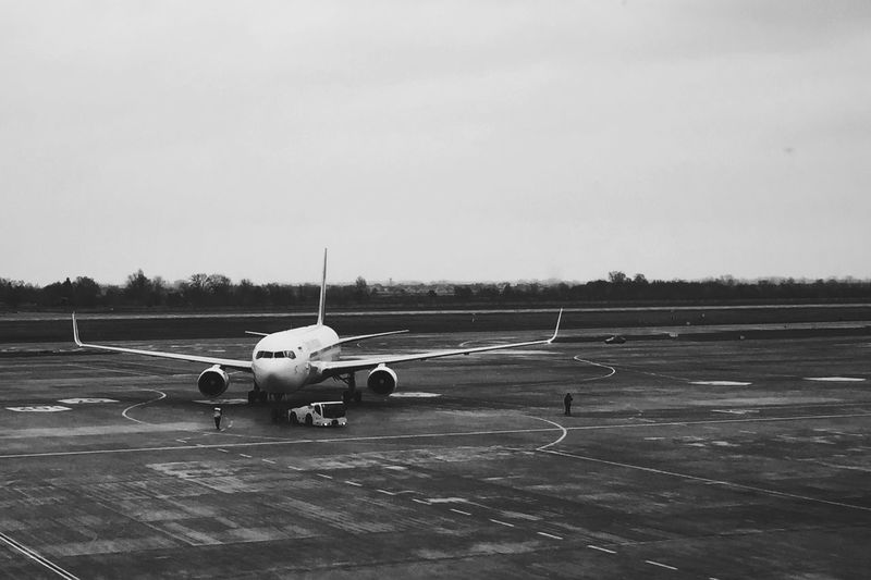 Plane Airport Kbp FLYUIA