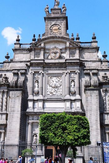 Catedral Metropolitana, CDMX, Centro Histórico Architecture Religion Built Structure Building Exterior Spirituality Place Of Worship History Sky Travel Destinations Outdoors Tourism Low Angle View Day Real People Tree Sculpture Statue