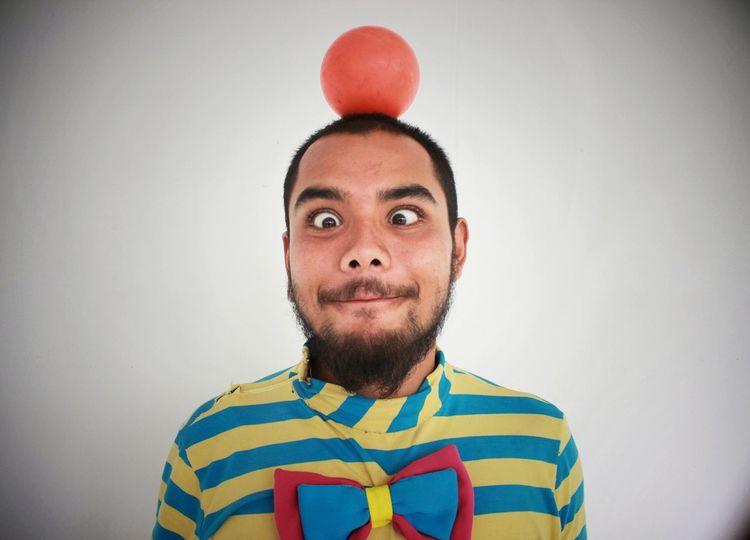 Colors Colorful Color Portrait Colour Of Life Color Colours Payaso Clown Clowns Boll Pelotas Retrato Retratos Circus Circusimages Circus Circus Circuslife Circo Circolofotograficotriestino Circus Tent